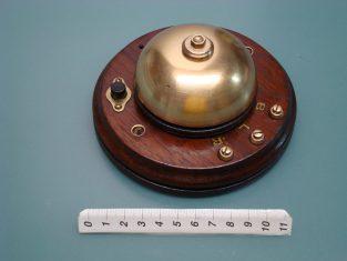 Campanello in ottone con pulsante di chiamata