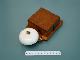 ringer door bell / ancienne sonnerie / alte klingel/
