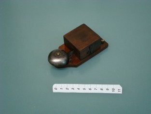 Campanello 1930~ ferro il più piccolo 12x6x4