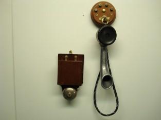 Campanello bronzo 17x9xh5 1900~ 4v. con abbinato tel.