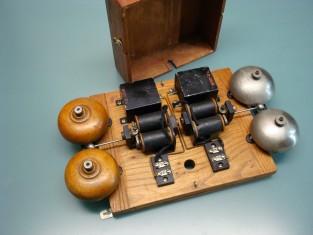 Campanello elettrico a 2 toni legno e bronzo 32x18x8