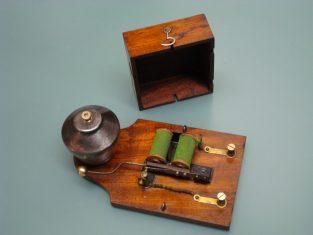 antique ringer bell - ancienne sonnerie - antico campanello elettrico
