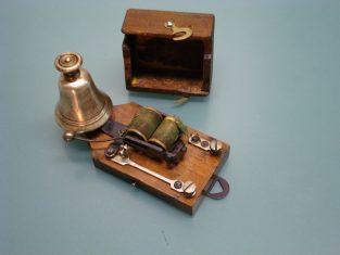 Campanello elettrico bronzo molto piccolo 1920 11x35x6 4-8v.