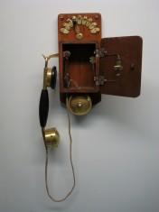 Vecchio telefono 1920 ~