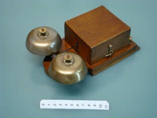 vintage ringer bell / old door bell / ancienne sonnette / alte klingel