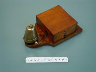 vintage door bell / old ringer bell
