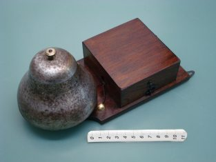 alte türklingel - vintage ringer bell - ancienne sonnerie